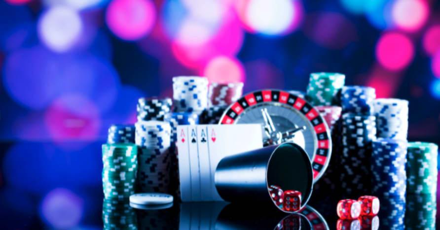 Google nastavil, aby v obchodě Play povolil mobilní kasinové aplikace se skutečnými penězi